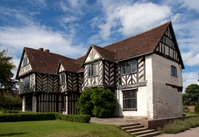 Image of the day : Blakesley Hall Birmingham