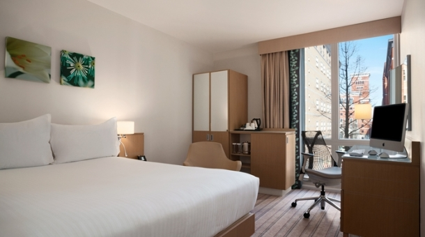 Rooms in Hotel Hilton Garden Inn Birmingham | Image Resource : hiltongardeninn3.hilton.com