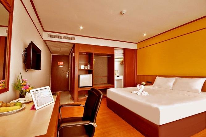 Narai Hotel Bangkok Guest Room