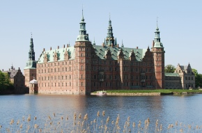 Frederiksborg Castle – A Visit To A Store House Of Historical Artifacts !