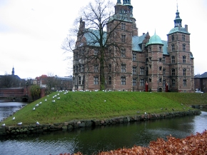 Rosenborg Castle, Copenhagen: A Majestic Treat To The Eyes!